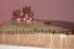 festa rosa e marrom de 1 ano e familia de ursos