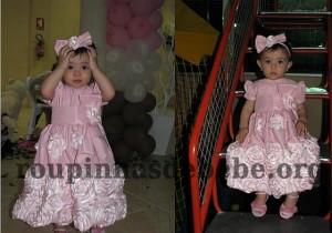 festa rosa e marrom de 1 ano Giovanna com flores