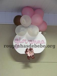 enfeites da festa marrom e rosa infantil