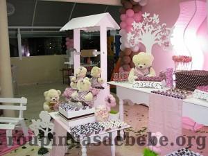 festa marrom e rosa urso e provençal clássico