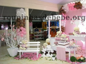 festa marrom e rosa urso e estilo provençal
