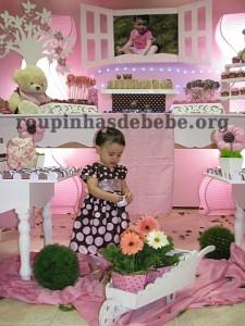 festa marrom e rosa urso com flores