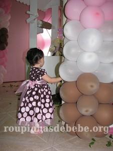 festa marrom e rosa urso e balões