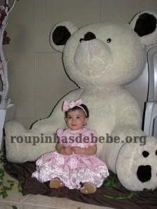 festa marrom e rosa urso com Giovanna na entrada