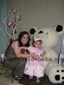 festa marrom e rosa urso com Giovanna e mamae