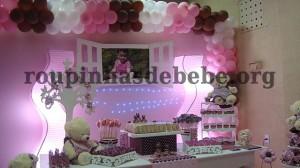ambiente de festa marrom e rosa provencal