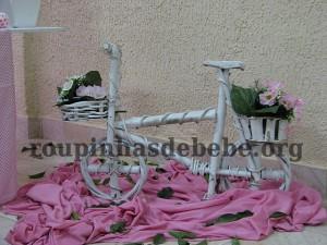 enfeites da festa marrom e rosa provencal