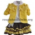 moda inverno infantil casaco amarelo com saia