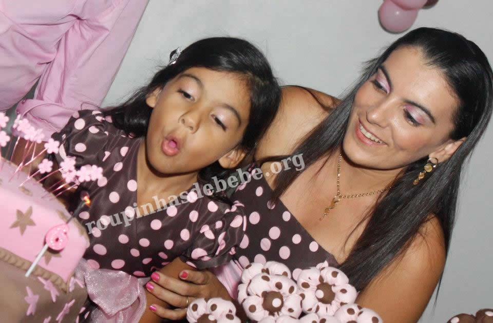 moda mae e filha festa rosa e marrom 1 ano