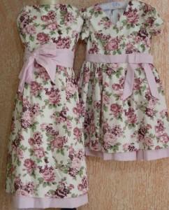moda mae e filha floral