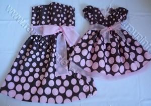 moda mae e filha marrom e rosa