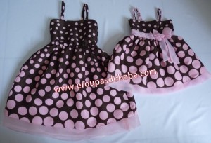 moda mae e filha rosa e marrom