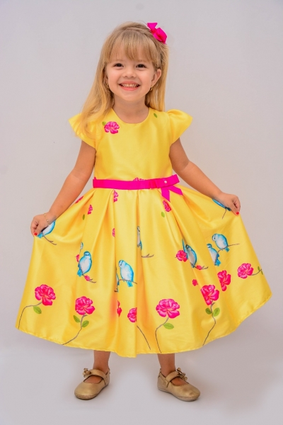 Modelo de vestido de festa para crianca
